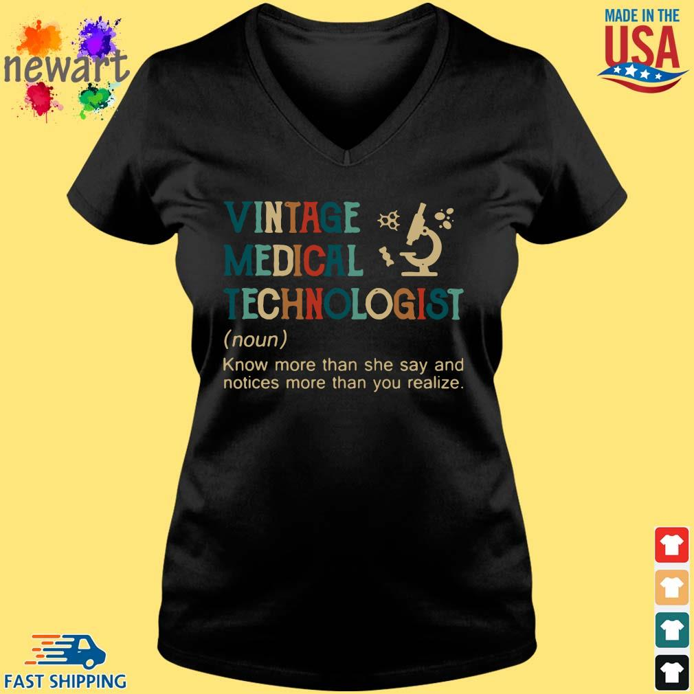 Vintage medical technologist know more than she say and notices more than you realize Vneck den