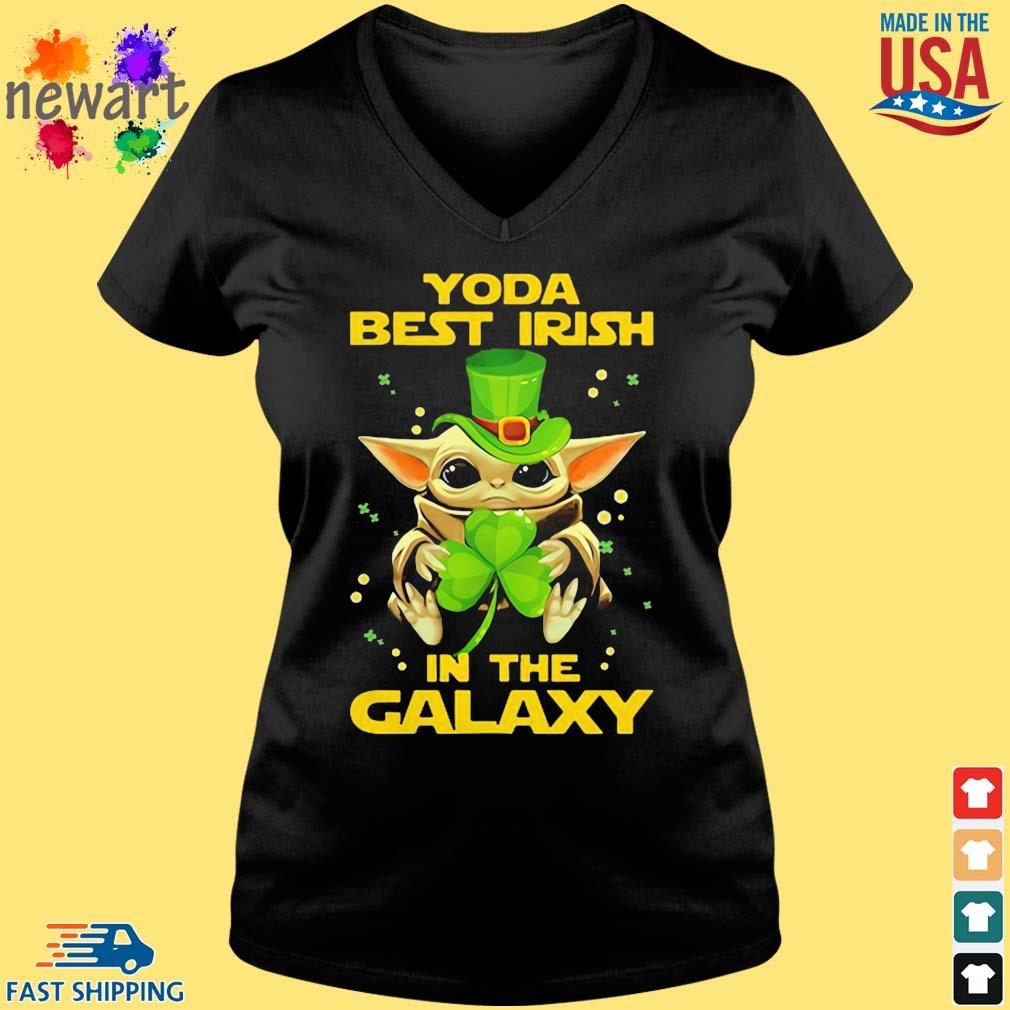 Baby Yoda Best Irish In The Galaxy Star Wars Shirt Vneck den