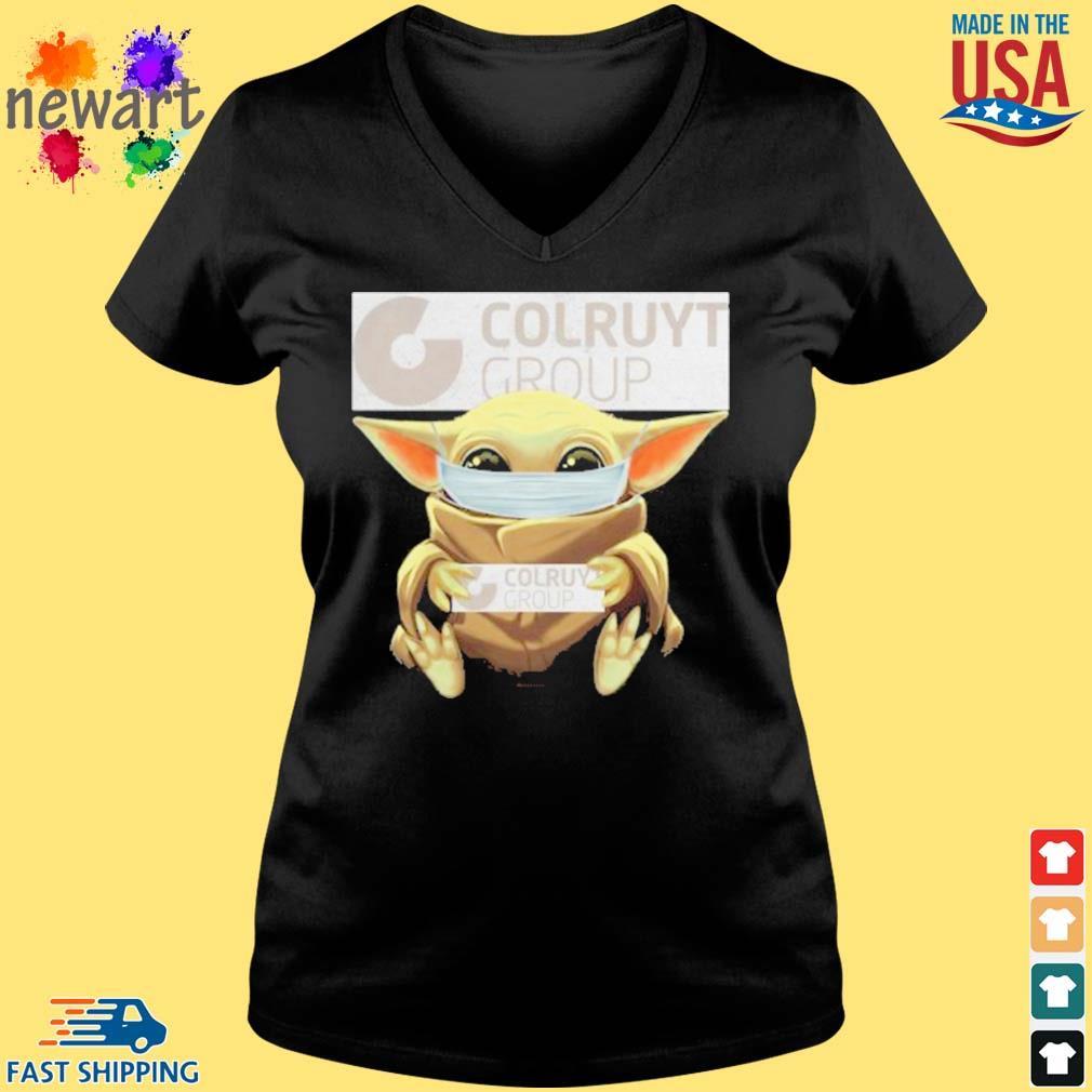 Baby Yoda Mask Hug Colruyt Group Shirt Vneck den