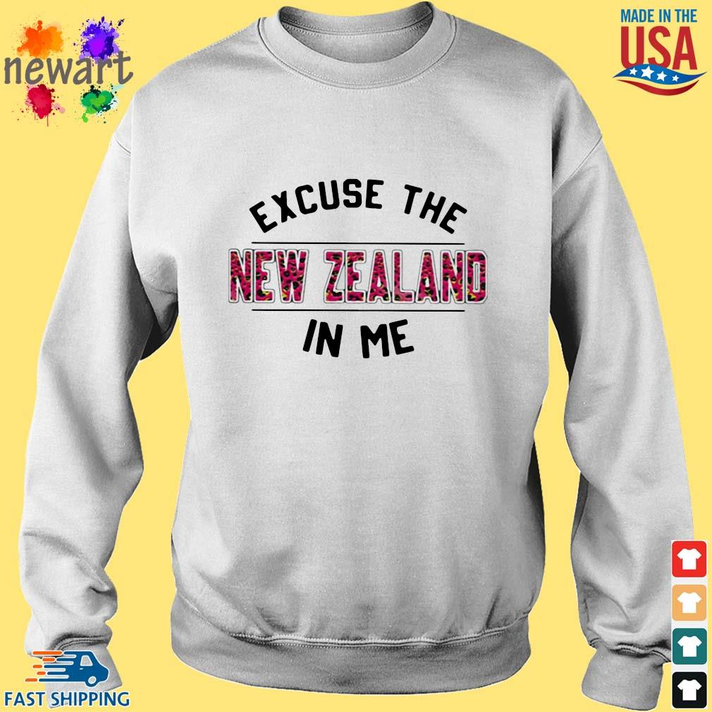 Excuse the New Zealand in Me s Sweater trang