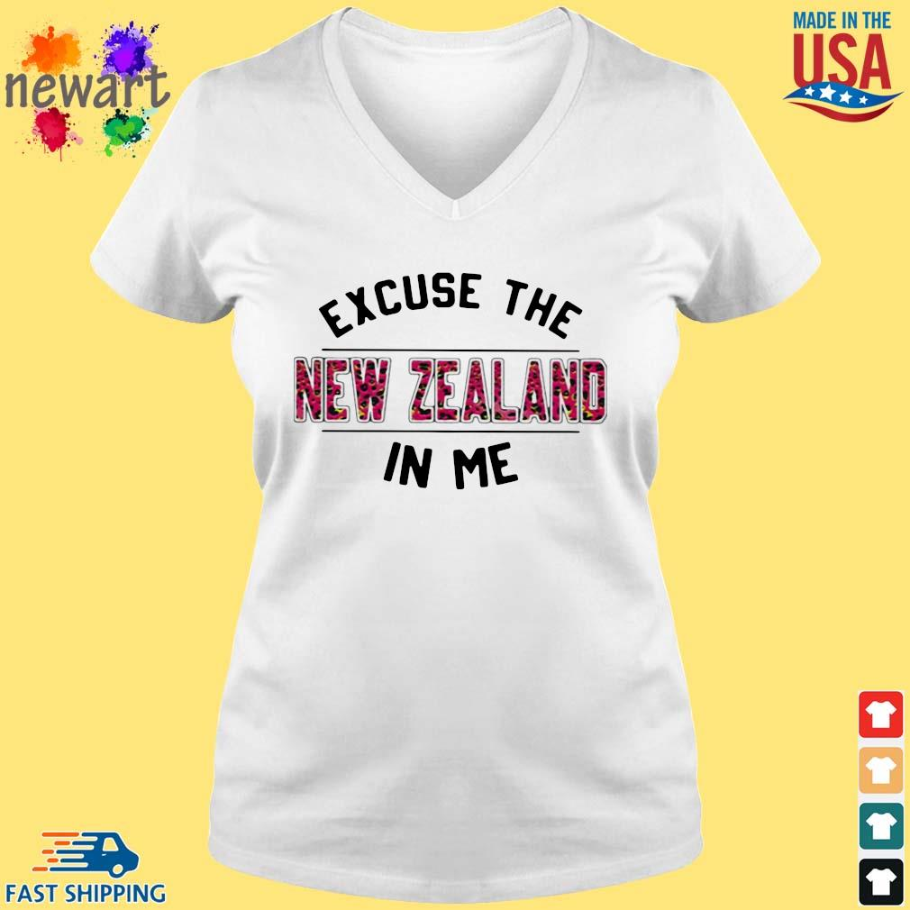 Excuse the New Zealand in Me s vneck trang